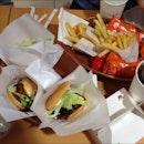 Mos Burger Feast!