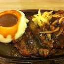 Hotplate Black Pepper Beef Steak With Mashed Potato