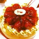 Mayreshh's Bday Cake : Strawberry Cheesecake