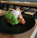Mayo Truffle Chicken Crossiant