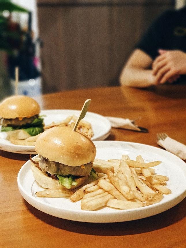 Mr Craftsmen Burger [$18.90]