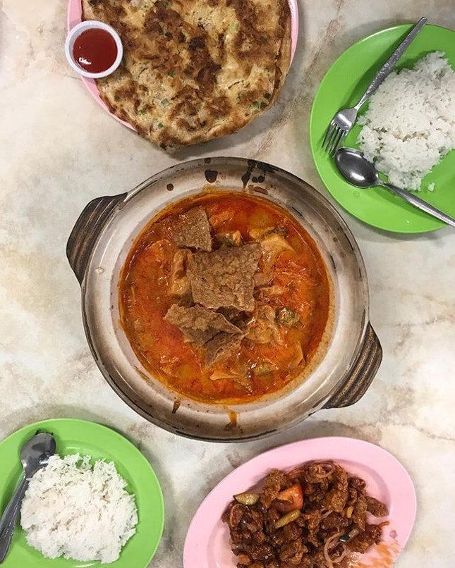 Cheap and good , only at JB garden curry fish head stall!