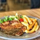 Mushroom Chicken Chop 👌🏼Crispy on the outside and tender on the inside #alinaeats #reedzcafe #MealsUnder$6 #igsg #sgig #vsco #vscosg #vscocam #burpple #burpplesg #foodie #foodporn #foodphotography #foodstagram #instafood #instagood #instadaily #webstagram #먹스타그램