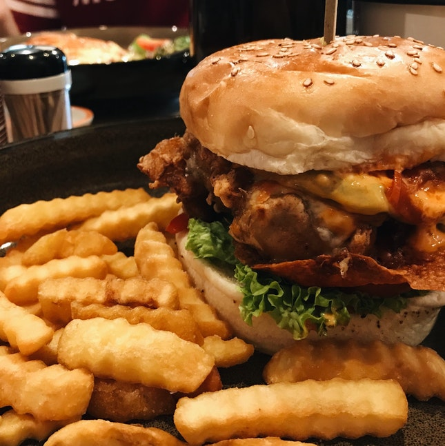 who can resist a fried chicken burger?