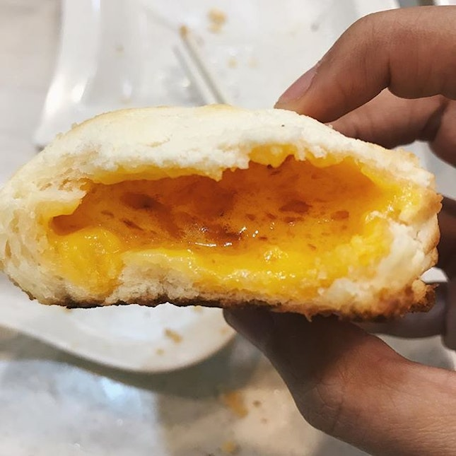 baked salted egg custard bun — defo one of the best liu sha items i've had!!
