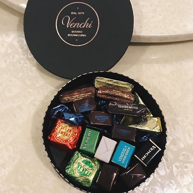 got gifted a box of chocs from venchi today @ their mbs store opening today!!