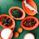 Few knows that there is a very affordable and delicious teochew porridge on the top level of beauty world centre.