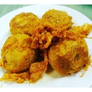 """My """"must-have"""" dish at #SinarPagiNasiPadang -- potato patties!!"""