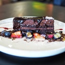 Heavy Fudge Chocolate Mudcake $16 ☻☻☻☻☻☻☻☻☻☻ One hell of a fudgey cake.