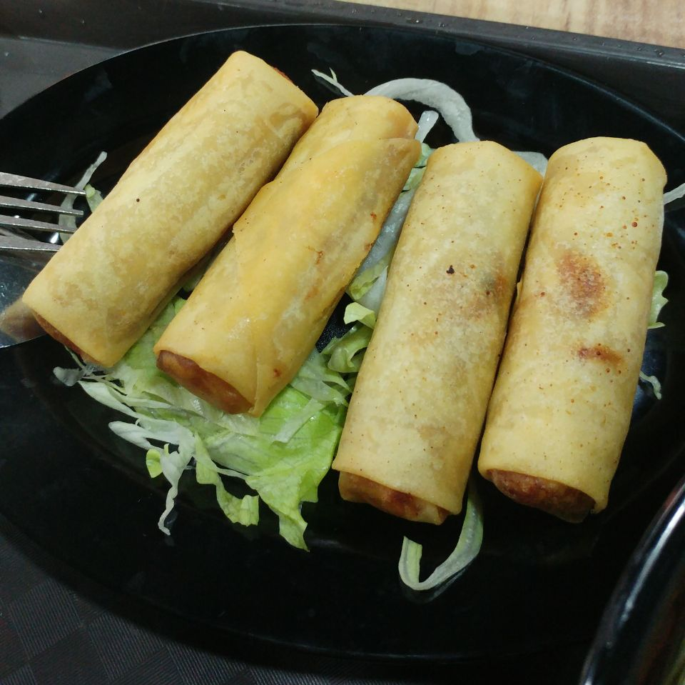 Vietnamese Fried Spring Rolls with Pork Fillings [$4]