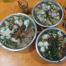 The famous Yong Tau Foo that operates only from 12mn onwards.