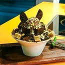 Chocolate Brownies Bingsu at @chibing_sg Generous amount of sinful toppings such as chocolate brownies, chocolate wafer biscuits, almond bits, oreo biscuits, ice cream and milo powders on top of the fine shaved ice is the best way to end dinner.