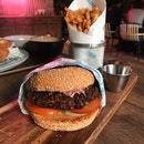 Larb Moo Thod Burger (RM28)