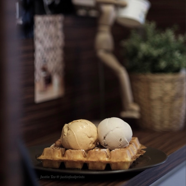 Waffles with Double Scoop [$12 + $0.50 for premium flavour].