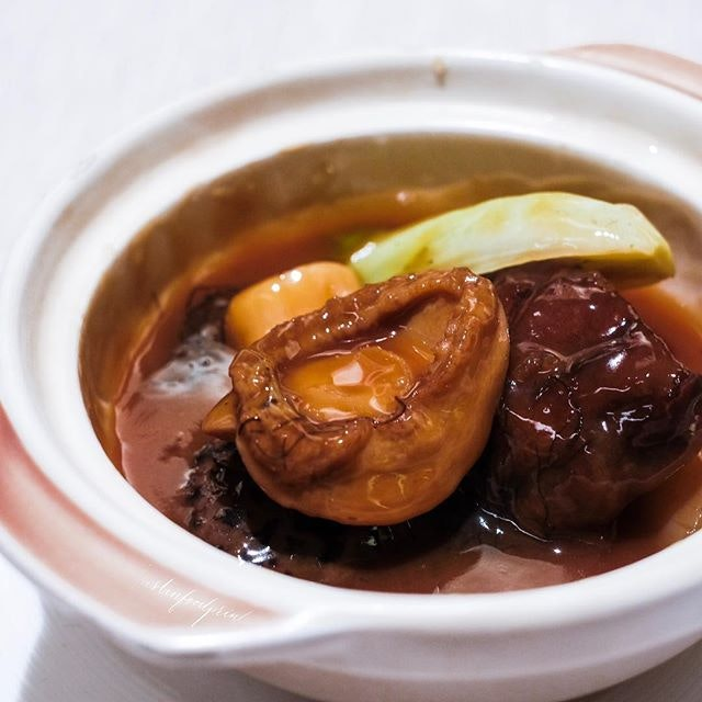 [New Abalone Menu] Braised 8 Headed Whole Abalone in Claypot.