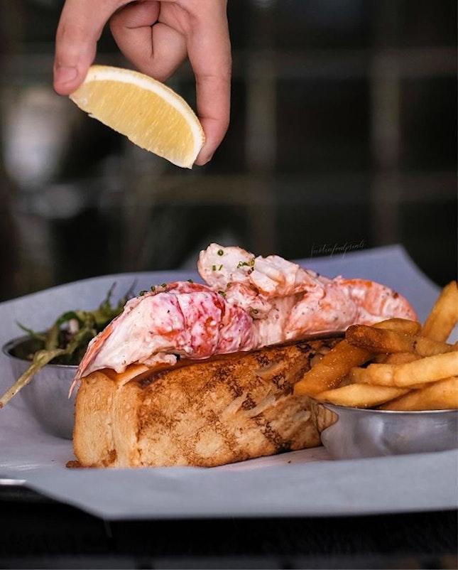 Lobster Roll ($52++).