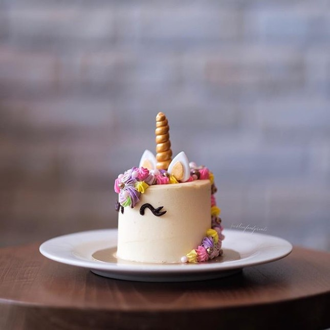 Mini Unicorn Cake ($10).