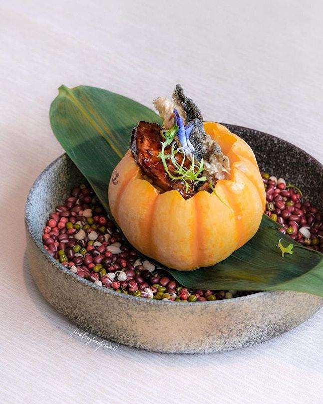 Foie Gras Pumpkin Fried Rice ($2688++/10 pax menu).
