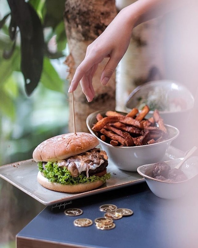 Burgers and American Food