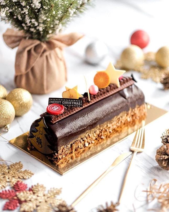Chocolate Yule Log ($65, 1kg)