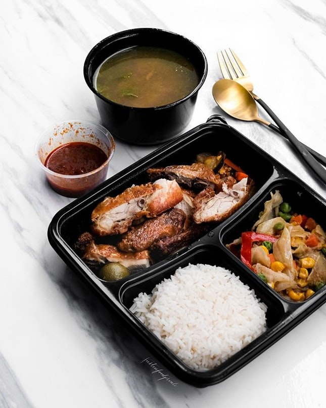 Amara Singapore has just collaborated with Oddle to do island-wide delivery, so you can now order online at: https://amarasingapore.oddle.me/en_SG/ 🔸 If you're doing self pickup, you can use the promo code ''TAKEAWAY 20'' for 20% off.