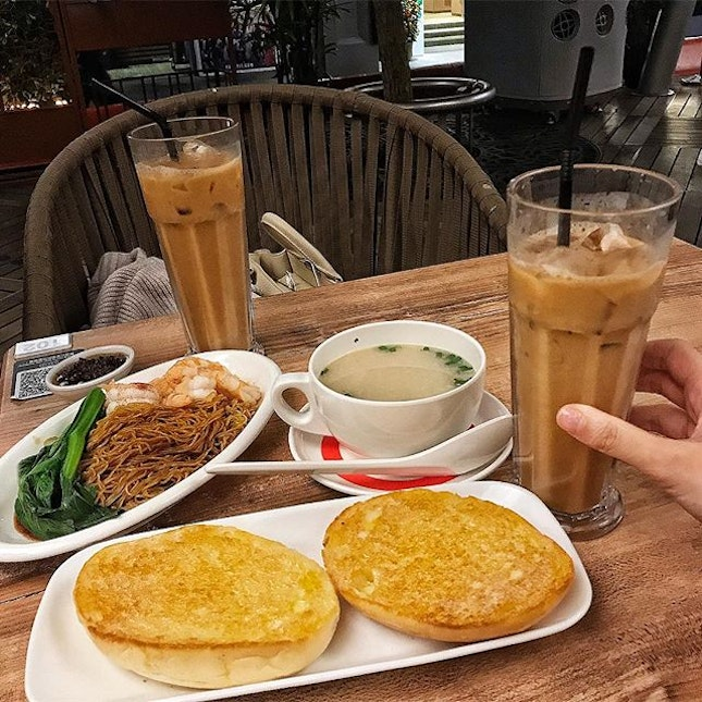 Finally finally visited this Hong Kong cafe chain that's opened in Singapore.