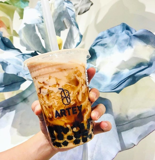 Like if you love a good bubble milk tea too that has just the right combination of tea oomph with chewy pearls that brings the caramel flavour.