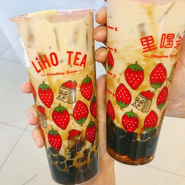 from now till 15 feb you get to enjoy 1-1 Da Hong Pao milk tea- Oolong milk tea with brown sugar pearl ($3.9 M, $4.9 L) from Liho.