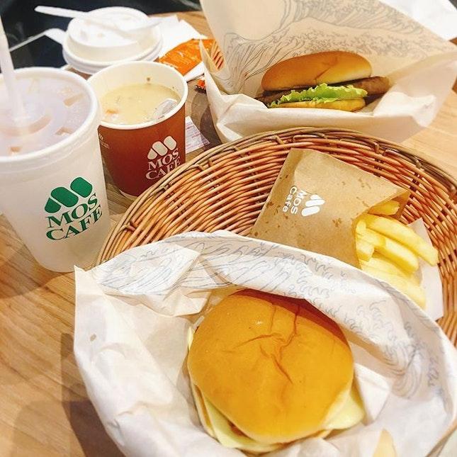 i always love Mos Burger.