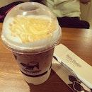 Iced Caramel Macchiato หวานนนน >~< #coffee #caramel #macchiato #drink #milk #ais