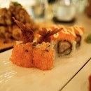 The Ebi Fry Maki is a lightly breaded deep fried ebi wrapped around Japanese sushi rice (of course) with the intensity of warm and cool to tantalise your taste bud.