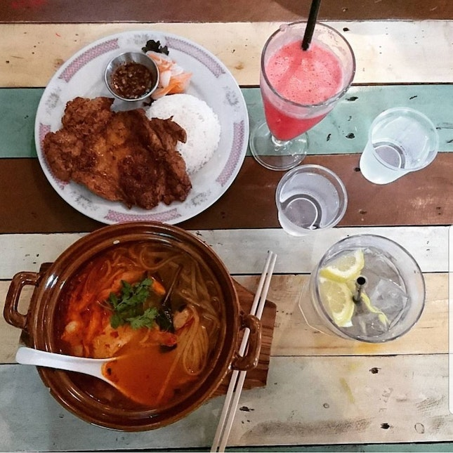 Thai Cafe With Kids Friendly Activities