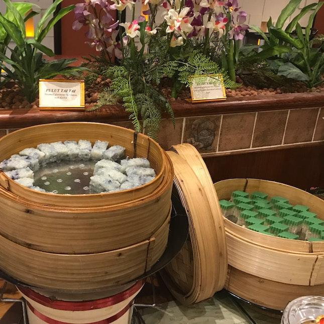 Kueh Tai Tai And Kueh Salat