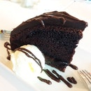MAD & Rich Chocolate Cake