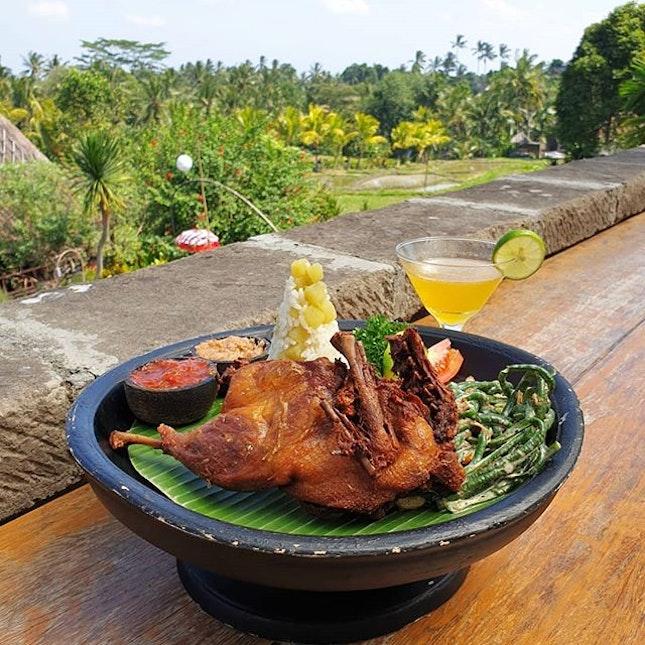 Balinese cuisine overlooking the #beautiful rice fields.
