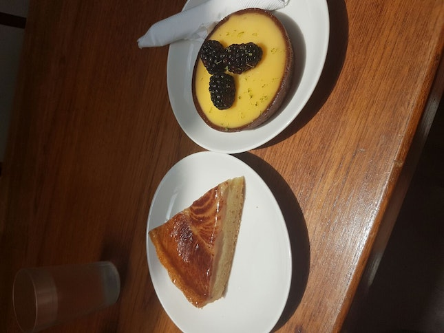 Apple Cinnamon Pie & Yuku Tart
