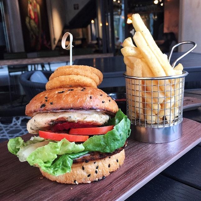 6OZ Marinated Chicken Burger 🍔($18)