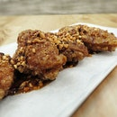 HOLQA SnS-Ji Wings - Holqa signature crunchy chicken mid-joints coated with secret homemade sweet and spicy sauce.
