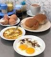 Retaining it's nostalgic setup, CMC seemed to be a popular choice for egg & toast breakfast.