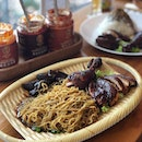 A corner little shop along South Beach Road, @nanyangchicken offers dark soy sauce chicken that's actually pretty good.