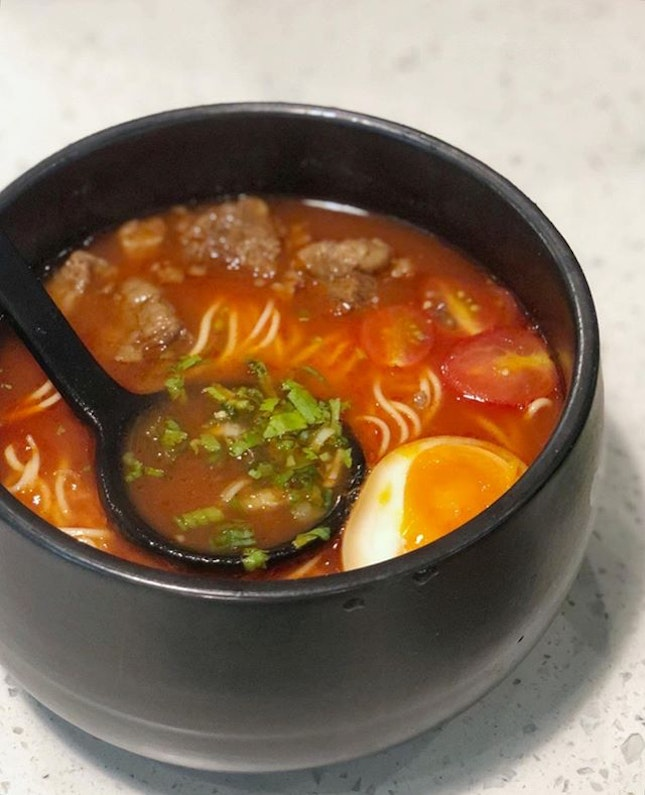 Even though we read some reviews and went with little expectations, we were delighted to find another tomato broth that we liked other than HDL.