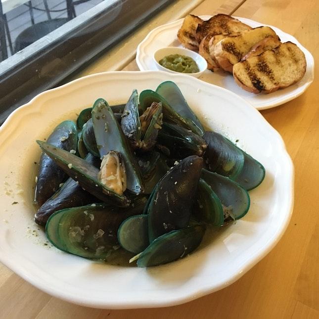 Ah Hua Kelong Mussels