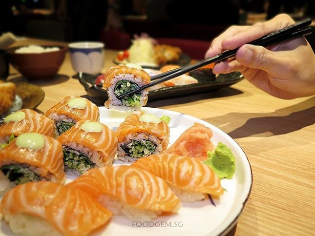 Simply drools at the sight of salmon fats.
