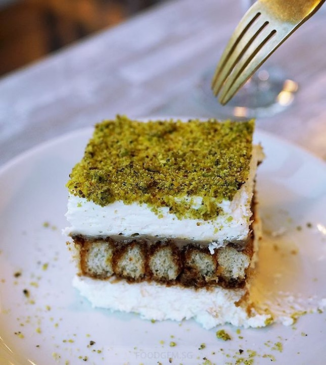 This is place is famous for their Pistachio Tiramisu that isnt too sweet and melt in my mouth.