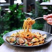 The linguine with a satisfying texture, while still allowing the flavours of its ingredients prawns, mussels and clams shine.