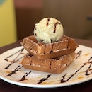 Waffle With One Scoop Ice Cream