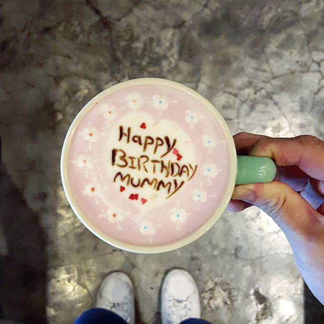 """💗💗💗💗💗💗💗 * Good morning * A customised cuppa I did for a customer a while ago * I watched all 8 episodes of #patisseriefighting on #toggle ytd and learn something meaningful from @chrislee1111 & #kitchan * 每个甜点都需要""""灵魂"""" * This applies to a dish or a cup of coffee too."""
