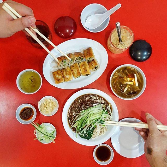 @jinghuaxiaochi * #noodleworship #jinghuaxiaochi #burpple #hungrysquad #foodbossindia #losangeleseats #eatingnyc #damien_tc #singaporeinsiders #thisisinsiderfood #jktfoodbang #exploreflavours #asiafoodporn #feedthepanda #foodie #dailyfoodfeed #thisisinsider #thisisinsiderfood