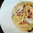 Salmon + Mushrooms + Cream Pasta = Comfort Food #furyfoodie #sgcafe #sgfoodies #foodporn #instafoodie #thegrowingbelly #pasta #creamsauce #mushroom #mushroomcream #salmon #swensens #burpple