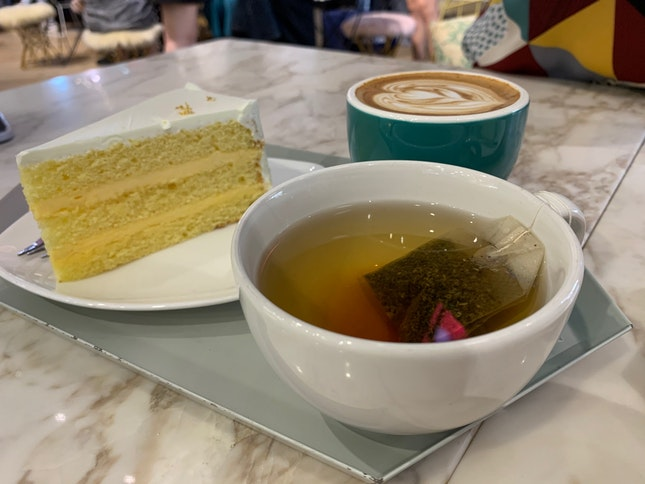 Yuzu Osmanthus Cake With Peppermint Tea